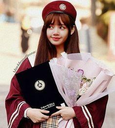 Remember this one? Kpop Girl Groups, Korean Girl Groups, Kpop Girls, Kim Jennie, Taekook, Lisa Bp, Fandoms, Park Chaeyoung, Blackpink Jisoo