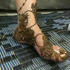 Are you crazy about the best and latest stylish leg mehndi designs? Leg Henna Designs, Khafif Mehndi Design, Latest Henna Designs, Arabic Henna Designs, Mehndi Designs 2018, Stylish Mehndi Designs, Mehndi Design Pictures, Wedding Mehndi Designs, Dulhan Mehndi Designs