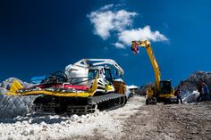 snow groomer :: by Benjamin Plocek Offroad, Work Hard, Skiing, Lego, Management, Snow, Cats, Pictures, Photography