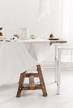 Flocca Tablecloth & Basix Napkin in Ayrton. Napkin $22 and Tablecloth $239. | white and rustic