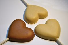 Organic Heart Lollipops (25 ct) Edible Wedding Favors, Wedding Sweets, Diy Wedding, Wedding Cakes, Wedding Day, Valentines Day Weddings, Lollipops, Shower Favors, Chocolates