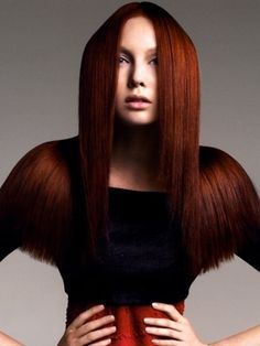 Give your hair a dose of fashion-forward makeover with the coolest 2012 red hair color trends! Hair Color Auburn, Auburn Hair, Red Hair Color, Auburn Red, Hot Hair Styles, Natural Hair Styles, Hair Colours 2014, Dark Red Hair, Haircut And Color