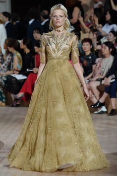 Valentino Fall 2015 Couture Collection Photos - Vogue