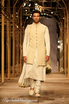 Tarun Tahiliani Indian ethnic wear for men