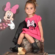 On adore Minnie et on adore cette photo ! Retrouvez notre collection #Minnie sur www.tous-les-heros.com #mode #enfants #modeenfant #touslesheros #lamodeàpetitprix #disney