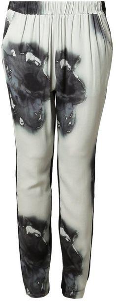 """Pin for Later: Gebt bei diesem Wetter euren Jeans eine Auszeit  Nümph """"Elena"""" Stoffhose mit Druck (ursprünglich 50 €, 35 €)"""