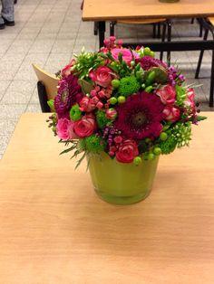 Mes #fleurs #flores Art Floral, Table Decorations, Plants, Home Decor, The Creation, Flower Art, Decoration Home, Room Decor, Plant