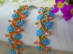 Free pattern for bracelet Spring Flowers