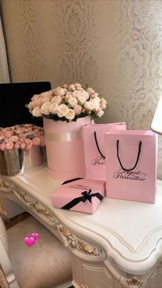 Birthday Goals, Victoria Secret Fragrances, Luxury Lifestyle Women, Luxury Flowers, Flower Aesthetic, Cute Gifts, Girly Things, Flower Arrangements, Beautiful Flowers