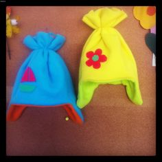 Πρωτότυπα χειροποίητα σκουφάκια για ζεστές βόλτες το χειμώνα!  Κάθε σκουφάκι φτιάχνεται κατά παραγγελία και ανάλογα με τις διαστάσεις που θέλετε για το κεφαλάκι του παιδιού!!