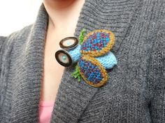 Brooches – crochet brooch fly – a unique product by LolaFUN on DaWanda