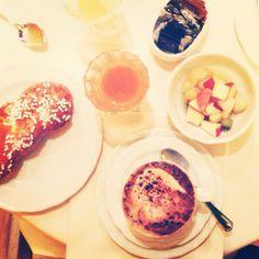 Twitter / @Ainara Garcia: Buongiorno Ferrara! Cappuccino mmmm!