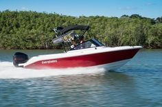 230 Dual Console | Everglades Boats