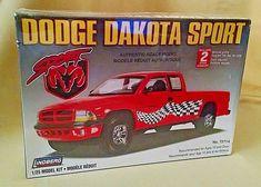 "DODGE DAKOTA SPORT TRUCK MODEL KIT NEW LINDBERG 1:25 NO 72714 2006 8"" IN SEALED #Lindberg"