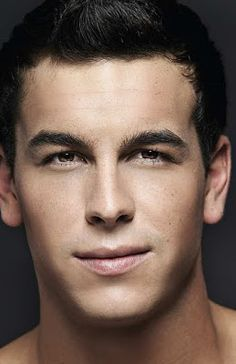 That is why we want to know a little better Mario Casas and so you talk a little about his career to become the idol of many girls today. Kim Jisoo Actor, Most Beautiful Man, Beautiful People, Film Man, Romance, Male Face, Male Beauty, Perfect Man, Cute Guys