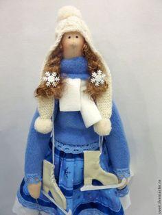 Кукла тильда Юленька – купить или заказать в интернет-магазине на Ярмарке Мастеров | Кукла Юля, это кукла не унывающая даже в холод.