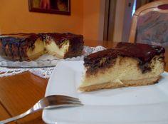 Tradycyjny sernik na kruchym spodzie z polewą czekoladową