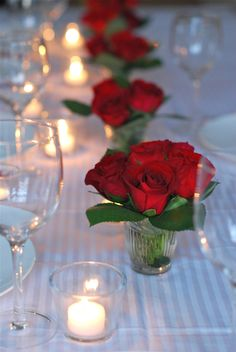 small centerpieces with red roses Red Rose Arrangements, Rosen Arrangements, Red Wedding, Wedding Table, Wedding Flowers, Wedding Bouquets, Wedding Ideas, Red And Yellow Roses, Red Roses