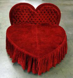 47 Heart Shaped Bed Aesthetic Ideas Aesthetic Heart Shapes Dying Flowers