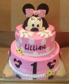 Minnie Mouse Minni Mouse Cake, Minnie Mouse, Cakes, Desserts, Food, Tailgate Desserts, Deserts, Cake Makers, Kuchen