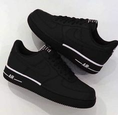 1d5421bcc02 Black Nike Airs 😍🖤 uploaded by janelle on We Heart It