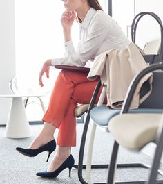 What to Wear to An Interview For Women - 6 Best Outfit Ideas College Interview Outfit, Job Interview Attire, Affordable Work Clothes, Affordable Evening Dresses, Affordable Fashion, Evening Gowns On Sale, Lawyer Fashion, Business Fashion, Business Attire