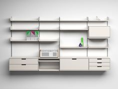 Vitsoe_apartment_therapy_design_classic_606_universal_shelving_system