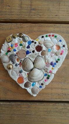 hart van klei met versiering