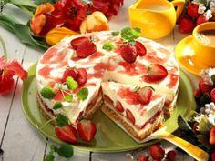 Erdbeer-Philadelphia-Torte Rezept Easy Snacks, Bruschetta, Cheesecakes, Cake Recipes, French Toast, Muffins, Bakery, Food And Drink, Strawberry