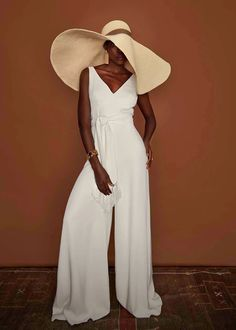 Big Wedding Dresses, Wedding Dress Trends, Wedding Themes, One Day Bridal, Simple Gowns, Fishtail Dress, Bridal Jumpsuit, Alternative Wedding Dresses, Pastel Gowns
