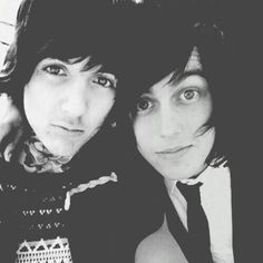 Unf. #kellinquinn #oliversykes #sleepingwithsirens #bringmethehorizon #sws #bmth #singer #band #perfection