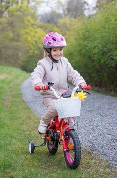 Estelle von Schweden: Fahrrad-Tour im Schlossgarten!