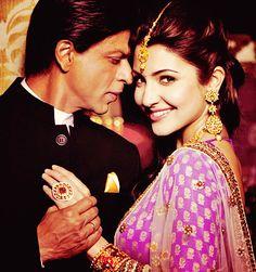 Shahrukh Khan and Anushka Sharma - photo used in Gitanjali Jewels print media ad campaign. Bollywood Stars, Indian Bollywood, Bollywood News, Neeta Lulla, Sr K, Tarun Tahiliani, Ritu Kumar, Indian Bridal Wear, Indian Wear
