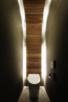 More than just a toilet stall. for each kid w/ wood door and frosted glass window もっと見る Small Toilet Design, Modern Bathroom Design, Bathroom Interior Design, Interior Ideas, Luxury Interior, Guest Toilet, Downstairs Toilet, Guest Bath, Bathroom Doors