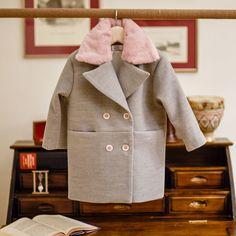 Χειμωνιάτικο γκρί παλτό της Bambolino για κορίτσια με ροζ κουμπιά και ροζ γούνα στον γιακά, annassecret, Ρούχα βάπτισης, Χειμωνιάτικα ρούχα βάπτισης, winter collection Coat, Jackets, Fashion, Down Jackets, Moda, Sewing Coat, Fashion Styles, Coats, Jacket
