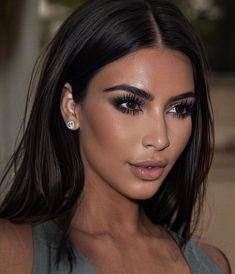 Kim Kardashian Hair, Kardashian Style, Kardashian Jenner, Kim Makeup, Beauty Makeup Tips, Hair Beauty, Retro Makeup, Beauty Products, Mode Kylie Jenner
