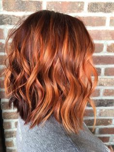 Copper balayage, Kevin Murphy, short hair Versed Salon, Plainfield, IL Source by kellywarantz Balayage Hair Copper, Copper Red Hair, Copper Highlights, Copper Ombre, Short Copper Hair, Auburn Hair Balayage, Red Hair With Balayage, Copper Bob, Balayage Lob