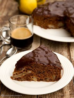 Chocolate cake with pears. (in Romanian) Pears, Fall Recipes, Coco, Chocolate Cake, Foodies, Sweet, Desserts, Autumn, Cakes