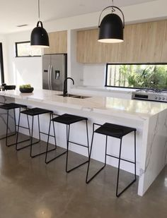 Mic prefers a lighter floor. I don't want a fake marble bench and none of the black. Kitchen Room Design, Kitchen Dinning, Modern Kitchen Design, Living Room Kitchen, Home Decor Kitchen, Interior Design Kitchen, New Kitchen, Home Kitchens, Cuisines Design