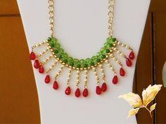 Collar Mexicano #02 - Juego de Cristales tricolor #Verde #Blanco #Rojo Diy Jewellery Chain, Diy Jewelry, Jewelery, Jewelry Necklaces, Jewelry Making, Mexican Jewelry, Handmade Jewelry Designs, Christmas Jewelry, Summer Jewelry