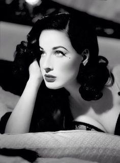 986181fe272b Happy 41st Birthday Dita Von Teese! Hollywood Glamour