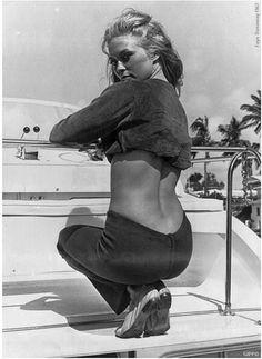 Faye Dunaway!  From wehadfacesthen.tumbler.com