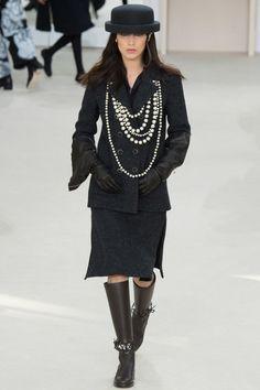 Chanel  #VogueRussia #readytowear #rtw #fallwinter2016 #Chanel #VogueCollections