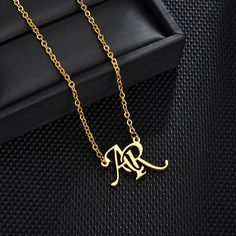 Birthday Woman, Birthday Gifts For Women, Custom Name Necklace, Gold Name Necklace, Silver Necklaces, Gold Earrings Designs, Letter Necklace, Or Rose, Rose Gold