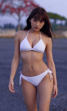 Asian beauty in a bikini Bikini Modells, Sexy Bikini, Bikini Girls, Mädchen In Bikinis, Asian Hotties, Le Jolie, Cute Asian Girls, Beautiful Asian Women, Sensual