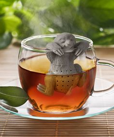 Slow Brew Sloth Tea Infuser and more Incredible Gifts at Perpetual Kid. When you want to take life slow and hang out with a cup of tea, our Slow Brew Sloth Empty Tea Bags, Tea Diffuser, Photography Beach, Wildlife Photography, Animal Photography, Slow, Cute Sloth, Tea Strainer, Cool Ideas