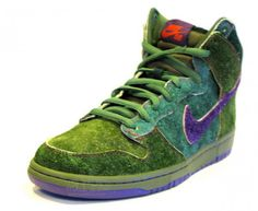 "Nike SB Dunk High ""Skunk"""