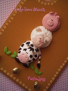 Farm animals #fimo, #polymer.  Porta Chaves fazendinha by Sonho Doce Biscuit *Vania.Luzz*, via Flickr