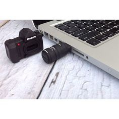 4GB CAMERA SHAPE USB FLASH DRIVE - CANON  someone get this for me!!! PLEASE!!!