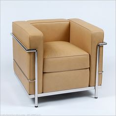 Le Corbusier: LC2 Petite Lounge Chair Reproduction